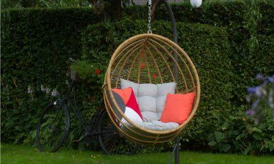 hangstoelen voor in de tuin